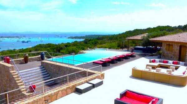 Real luxury estate in front of Lavezzi island