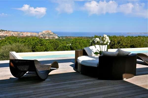 Luxuruous Contemporary House To Rent in Calvi !